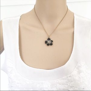 NWT forever 21 floral necklace
